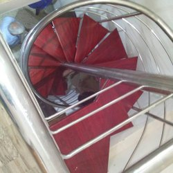 Residential Full Spiral Staircase