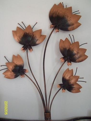 Iron Painted Lotus Flowers