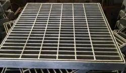 Galvanized Iron Industrial Mild Steel Gratings, Size: 600 X 600