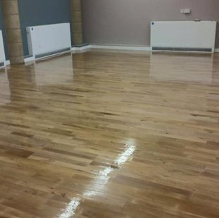 Six Floor For Indoor And Outdoor Laminated Wooden Flooring Services