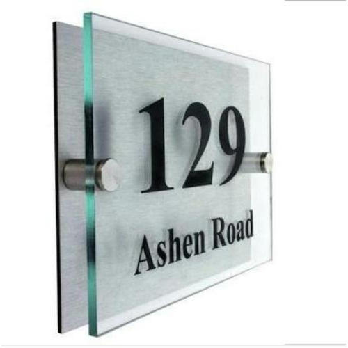 Glass Engraved Name Plates, Size: 5.50 Sq. Inch