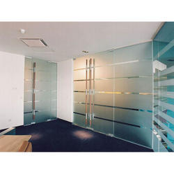 10-50 Square feet Single Color Toughened Office Glass