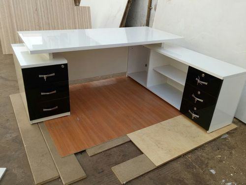 Black And White Modern L Shape Office Desk Rs 3000 Piece Dipak Steel Furniture Id 19939269097