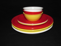 White And Red Plastic Plates And Bowl, Size: 5 And 10 13