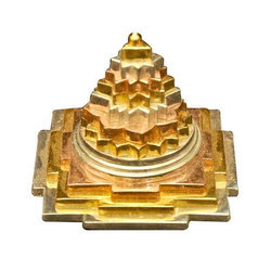 Vaastu Shri Yantra Pyramid