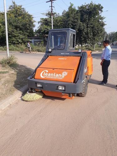 Cleanland Ride On Best Road Sweeper INDIA | ID: 18196256097