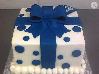 Blue Pearl Gift Box Cakes