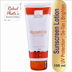 Rahul Phate'S Mrunalini-30 Sunscreen Lotion