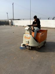 Battery Operated Sweeper for Commercial Area