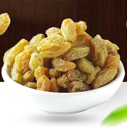 By former Green Kishmish Dry Raisins, Packaging Type: Plastic Box, Packing Size: 15kg