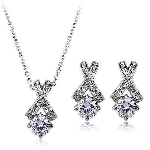 Diamond solitaire pendant set without chain heere ke pendant ka set diamond solitaire pendant set without chain aloadofball Choice Image