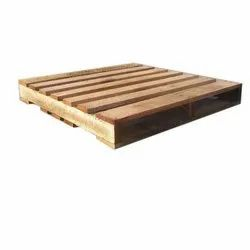 Rectangular Soft Wood Poplar Two Ways Wooden Pallet, For Shipping, Capacity: 500 Kg