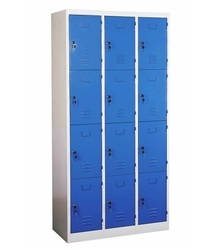 12 Door Locker