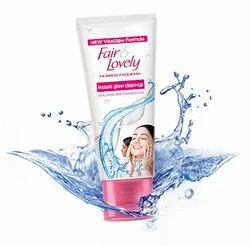 Instant Glow Clean Up Facewash