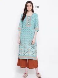 woman printed kurti
