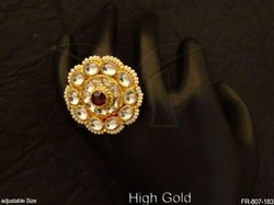 Oval Kundan Finger Ring