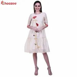 Gorgy Women Embroided Kurta (With Inner)
