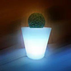 Kurveda 595 LED Planter