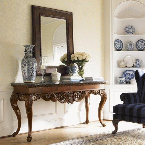 Elegant Console Table And Mirror
