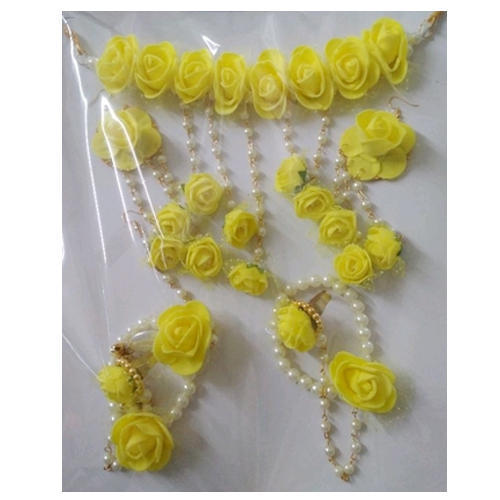 Yellow And White Flower And Beads Artificial Flower Necklace Set Rs