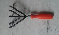 5 Tine Hand Cultivator