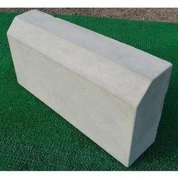 600x300x150mm Kerb Stones
