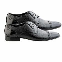 Black Leather Mens Formal Shoes, Size: 6-11, Packaging Type: Box