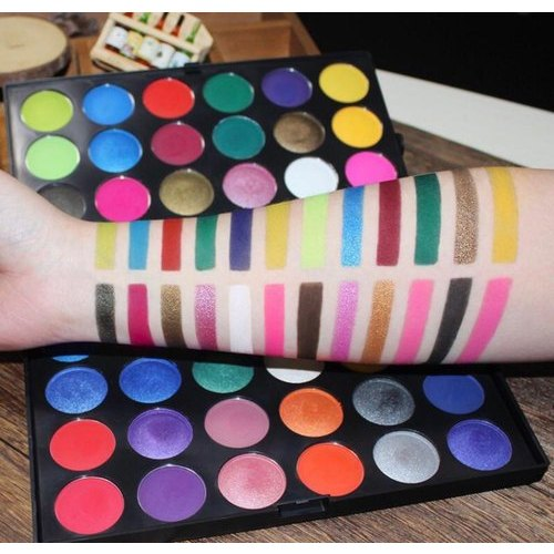 Bn 133 Makeup Eyeshadow Palette For