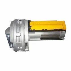 Rolling Shutter Center Motor