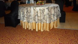 ROUND TABLE COVER CLOTH WITH NAPRON