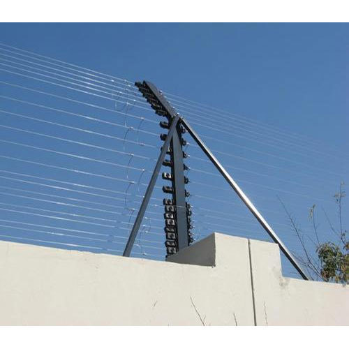 Galvanized Vertical Wall Top Electric Fencing, 12g ACSR Hot Dipped Wire, Rs  100 /feet   ID: 15114863212