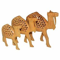 Wooden Undercut Camel Set