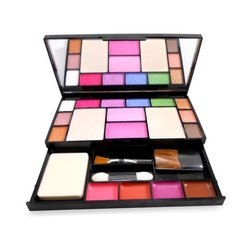 TYA Fashion Make Up Kit