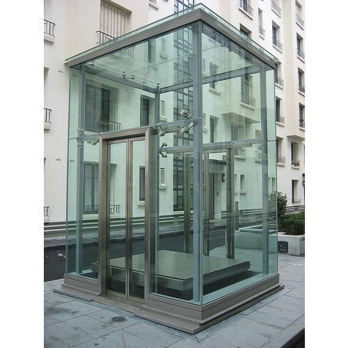 Mild Steel And Glass Outdoor Glass Lift Maximum Person 2