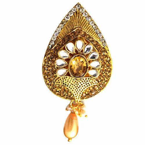 faba300f276 Vama Stone Saree Brooch, Rs 40 /piece, Vama Creation | ID: 16621391662