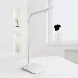 Fashion Wind - Touch- Based Desk Light