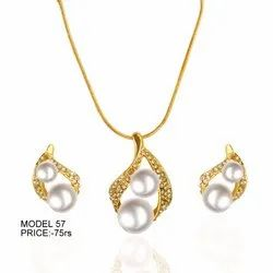 Water Drop Golden Pearl Necklace Set, 1 Pc, Packaging Type: Polythin Packing
