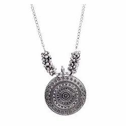 ReTrend Crystal Rhinestone Necklace