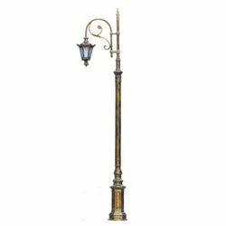 Tradition Street Lamp Post