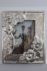metal Golden silver flower photoframe, For Decoration, Size: 5x7