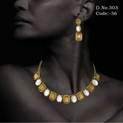 Traditional Crystal Stone Choker Necklace Set