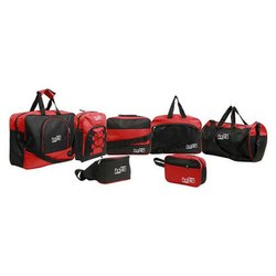 7 Set Travel Bags Scotch