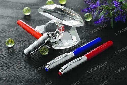 Magnetic ball pen