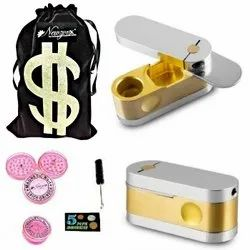 Brass Monkey Pipe/American Design Tobacco Pipe 2 Inch Incl. Accessories and Fancy Velvet Pouch
