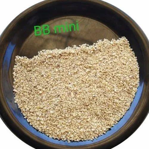 Raw BB Mini Cashew Nut, Packaging Type: Vacuum Bag, Packaging Size: 25 Kg, Rs 220 /kg