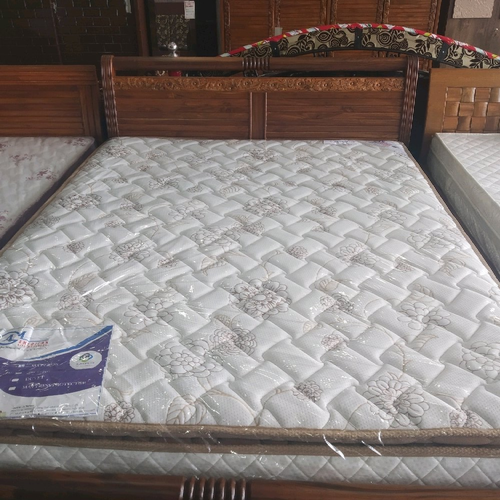 White Which Pillow Top Luxury Double Bed Mattress, Size/Dimension: 5 Feet X 6 Feet X 7 Inch
