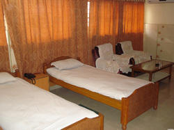 Non AC Room Rental Services For Family