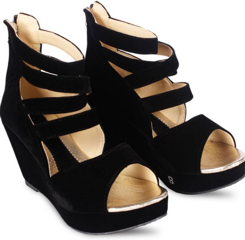 Women Judge Buy Black Girls Heels, Rs