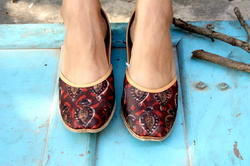 Leather and Canvas Printed Jutti