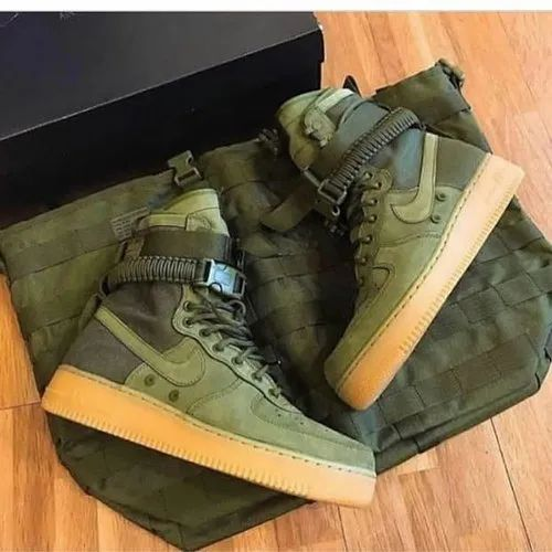 Casual Wear Army green Nike Special